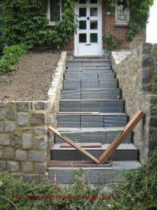 Escalier rénové et carrelé à Fontaine par Ets SGP